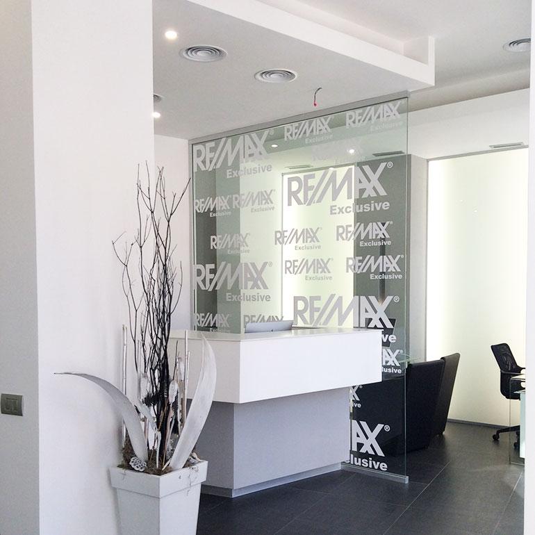 Ristrutturazione franchising immobiliare Remax a Roma.