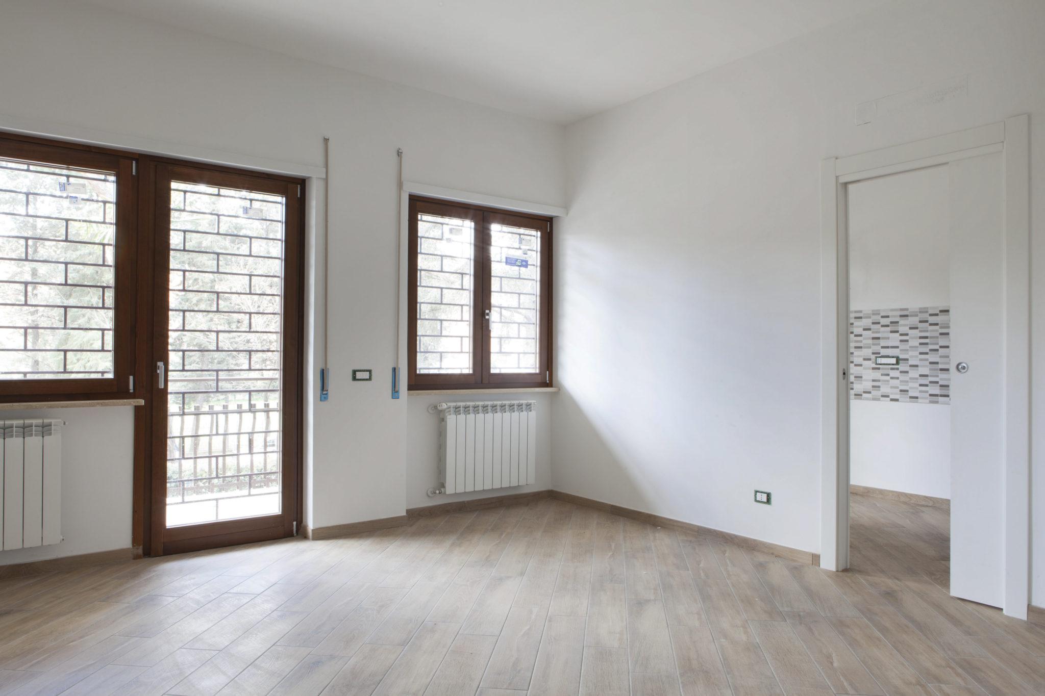 Ristrutturazione di una palazzina residenziale a Roma nel quartiere dell'Eur.