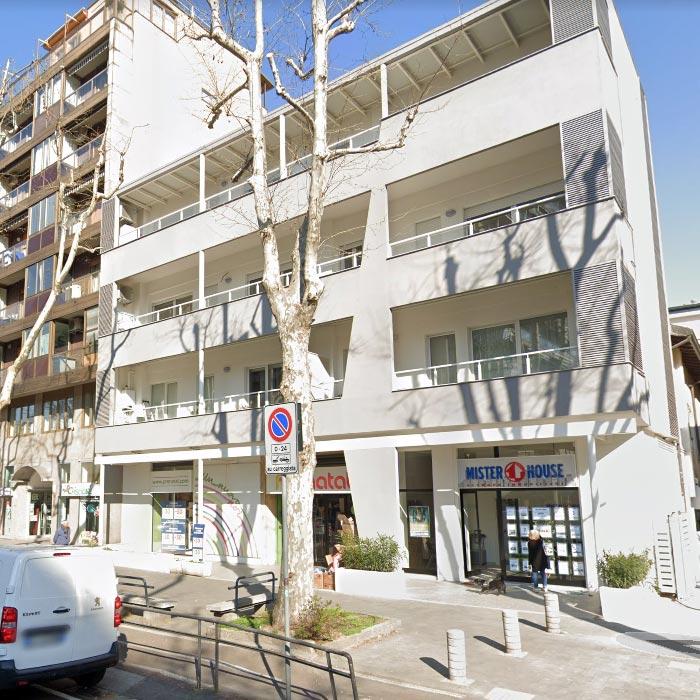Ristrutturazione per una palazzina residenziale a Milano.